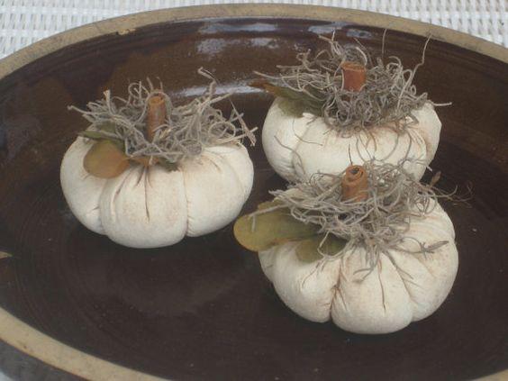 Prim White Lil' Pumpkins  Set of 3 Bowl by HandmadeWithHeartCr, $8.95