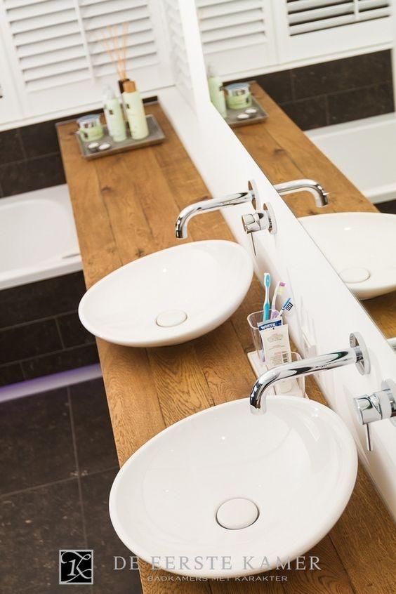 De eerste kamer een badkamermeubel op maat gemaakt verrassend mooi meer foto s van onze - Kamer van rustieke chic badkamer ...