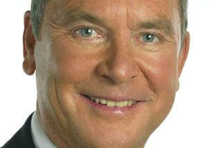 Television newsreader Ian Ross dead at 73