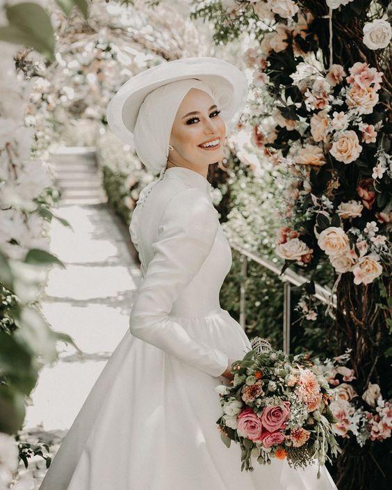 اناقه العروس في يوم الزفاف f97a0db672b4808029ed72556ca85a82.jpg