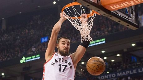 Raptors defeat Grizzlies in return home