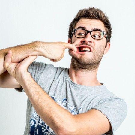 http://www.rougeframboise.com/celebrites/3-youtubeurs-humour-suivre