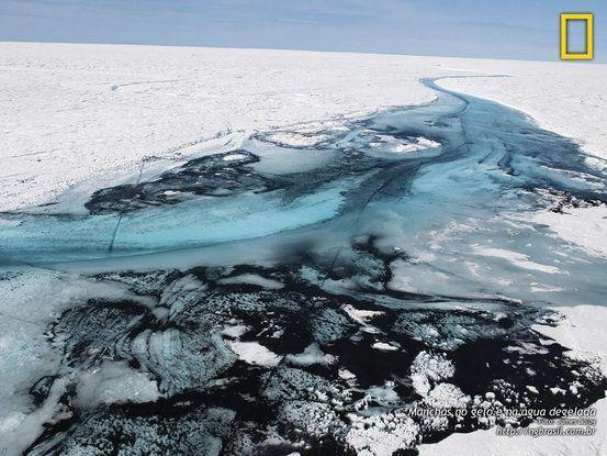 Manchas no gelo e na água degelada - Groenlândia