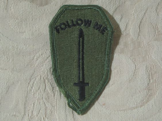 MILITARY SHOULDER PATCH United States Army Infantry Training School Subdued  Junk_607  http://ajunkeeshoppe.blogspot.com/
