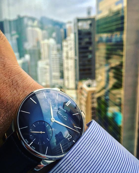 #MoserMonday in #HongKong with the Venturer Big Date Midnight Blue  #moserwatches #moser #hmoser @moserwatches #luxury #bigdate #style#luxurywatches #instawatch #dailywatch#tourbillon #veryrare #timepiece#watchuseek #watches #swisswatch#watchaddict #wristshots#watchgeek #watchoftheday #watchdaily #luxurywatch#dailywatch #horophile #menswatches#collecting #montres #wristshots #fancy #Instantaneous #watchporn by nicholashofmann