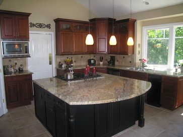 Yellow Countertop Paint : yellow moon granite countertop, love the paint on the island ...