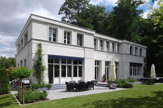 MUT ZUR SYMMETRIE – Neubau klassizistische Villa