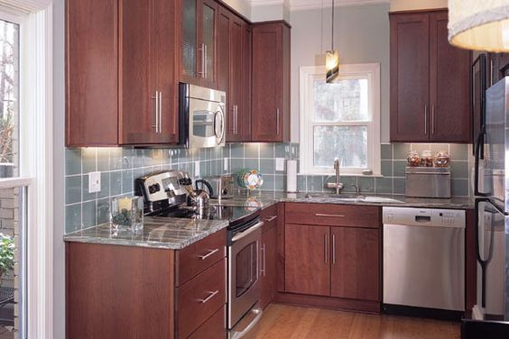 Townhouse kitchen designs and kitchens on pinterest for Townhouse kitchen design