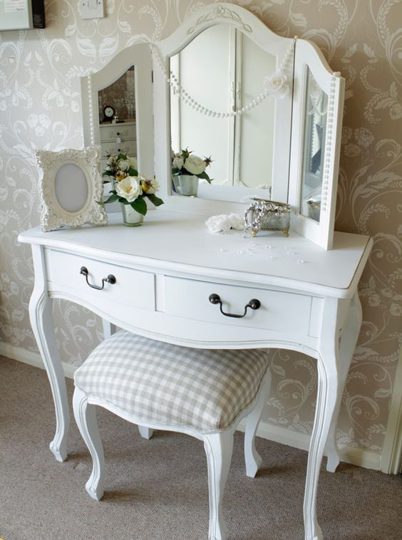 Mirrored Vanity Table And Stool: Dressing Table With Stool And Triple
