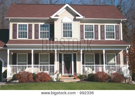 Colonial hpuse with porch new colonial or country style for Front porch designs for two story houses