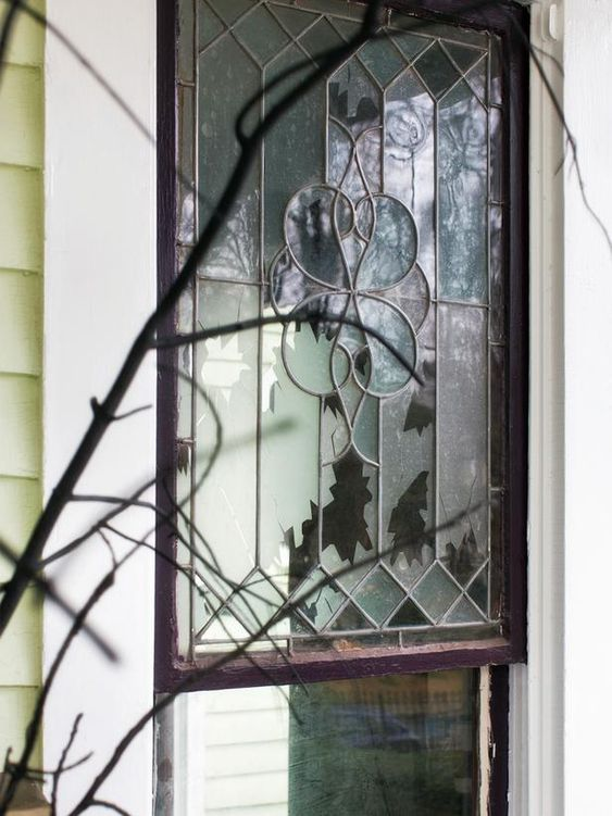 #Spooky #FrontPorch #Halloween  Fake shattered window>> http://www.hgtv.com/handmade/spooky-front-porch-decorating-ideas-for-halloween/pictures/page-5.html