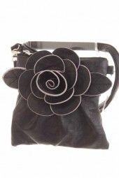 verspielte Tasche mit toller Blumenapplikation