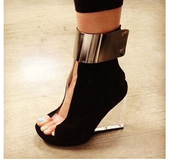 Futuristic shoes. This is Awesome!