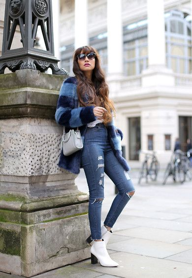 4802920_1_anoushka_probyn_uk_london_fashion_blogger_blue_denim_white_boots_faux_fur