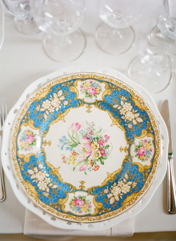 Vintage Chinaware | A Charleston Bride | www.acharlestonbride.com | Photography: KT Merry - ktmerry.com