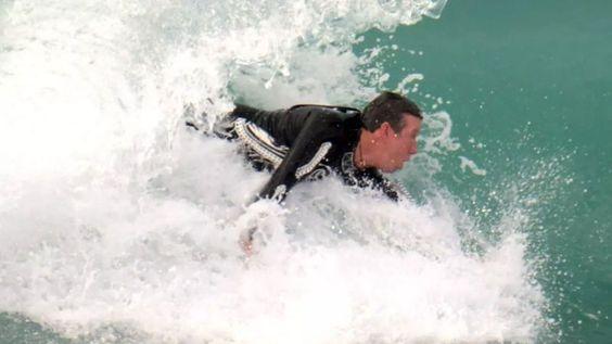 "WaveWrecker: Uma nova ""tecnologia"" wearable para surfar... sem prancha"