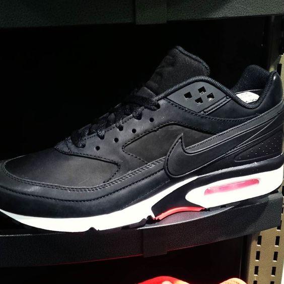 Gorgeous! shared by mystic_van_core #gabber #gabbermadness (o) http://ift.tt/1QWQlaK neuen Classics. :b Endlich sind sie wieder auf dem Markt.  Hoffentlich kommen sie diese Woche an.  #nikeairmaxbw #nike #airmax #Classics #bw #2016 #Black shoes  #Hardcore #inlove #bestshoes