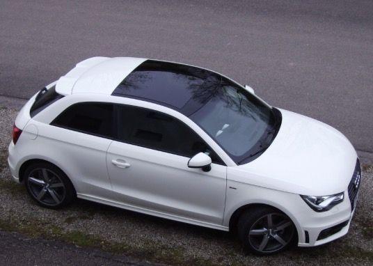 Fahrt Sich Super Perfektes Frauen Auto Der Audi A 1 Sportback