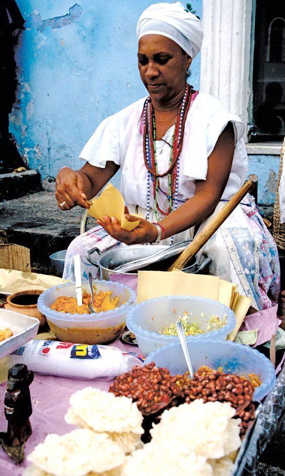 Tradicional Baiana de Acarajé em Salvador