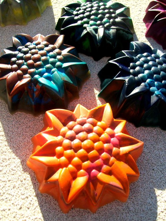 Sunflower crayons I made. Such a fun craft! Really simple and cheap too <3
