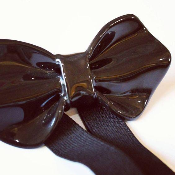 Alexander in black...stile ed eleganza #ceramicbowtie #ceramic #ceramica #papillonceramica #papillon #bowtie #modauomo #manfashion #man #fashiondesign #fashion #luxury #gentleman #madeinitaly #madeinsalento #handmadeinitaly #arredart #bowart