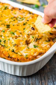 Skinny Chicken Enchilada Dip. Easy and CHEESY. A lighter twist on everyone's…