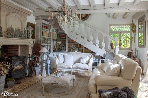 Love this space, minus the wood stove. e-magDECO : Magazine de décoration: « Le Clos Saint Fiacre »