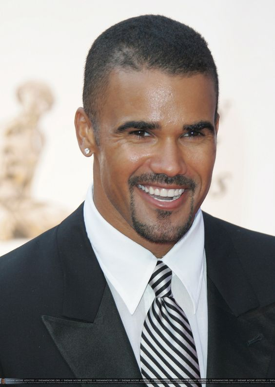 ... Moore and mother Marilyn Wilson, 185 cm tall Shemar Moore in 2016