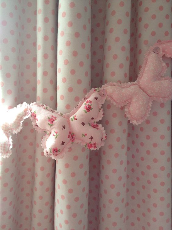 Little girl's bedroom -- Shabby Chic Butterfly Pink patchwork Curtain Heart tie-backs