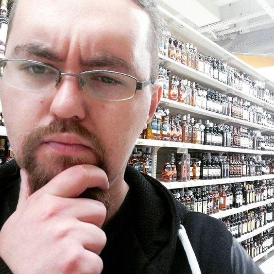 Trudne wybory na zakupach. #whisky #whiskey by jakub_proszynski