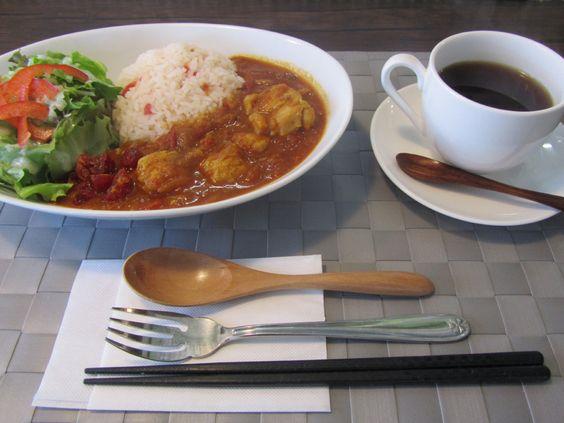 カフェ room 720: 北本トマトカレー(サラダ、コーヒーまたは紅茶付)