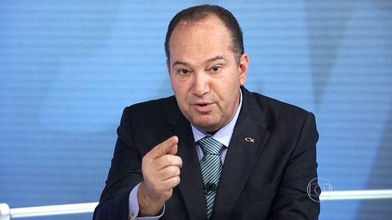 BRASIL É PAIS LAICO Pastor Everaldo terá de retirar programa eleitoralcontra o PT - Brasil - Notícia - VEJA.com ELE TEM QUE PAGAR IMPOSTOS AS IGREJAS NÃO PAGAM IMPOSTOS http://www.twitter.com/florencio1