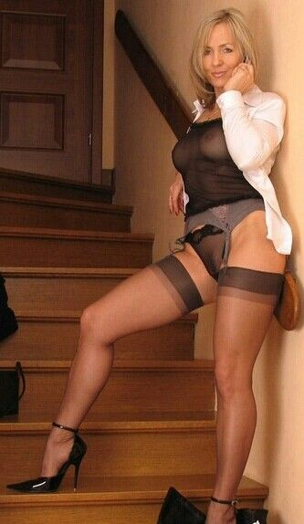 Old milfs in nylons