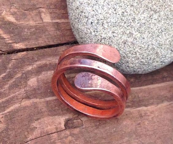 Hammered men 39 s copper ring wire tutorials for Hammered copper jewelry tutorial