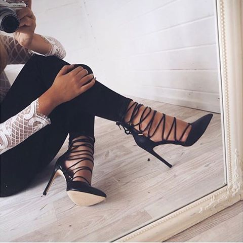 We've got some serious shoe envy! These are stunning, and they look particularly amazing on Sarah Ashcroft #ImWearingRI #RiverIsland