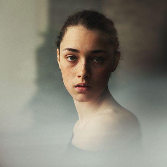 121Clicks :: Hannes Caspar from Berlin, Germany - Fine Art Portrait Photographer Portfolio