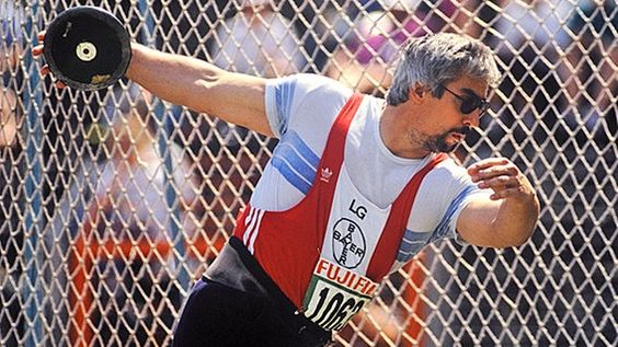 Rolf Danneberg bilder | Ex-Diskus-Olympiasieger Rolf Danneberg, Jürgen Schult (re.) © Helmar ...OS guld diskus 1984 Los Angeles.
