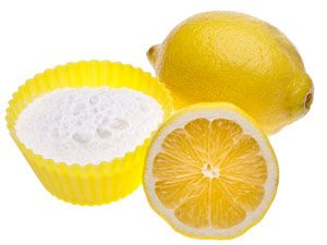 How to Make Your Own Air Freshener  Ingredients    1 teaspoon baking soda    1 tablespoon lemon juice    2 cups (500ml) water    Directions    1. Combine the ingredients in a bowl and allow the mixture to fizz. When fizzing subsides, stir well.    2. Pour the mixture into a spray bottle that produces a fine mist. Spray rooms that need