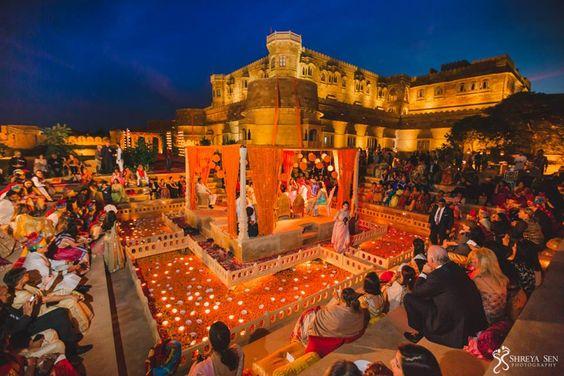 Elegant Floating Mandap Styles For Your Wedding, f9b7f265b7ab1132b7a5a70faba9eb62