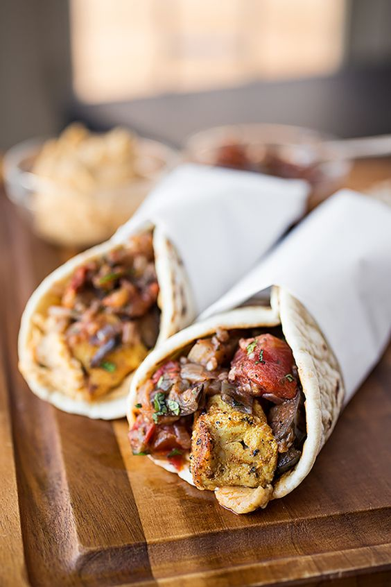 10. Spiced Moroccan Chicken Wrap #lunch #wraps #recipes http://greatist.com/eat/healthy-lunch-ideas-quick-and-easy-wraps
