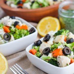 Brócolis, couve-flor, cenoura e salada de frango com limão italiano Vinagrete - O perfeito, salada leve da hora de Verão!  {sem glúten, sem lactose, paleo}