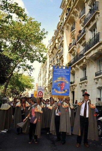 Défilé de la fête des vendanges, Montmartre, Paris,