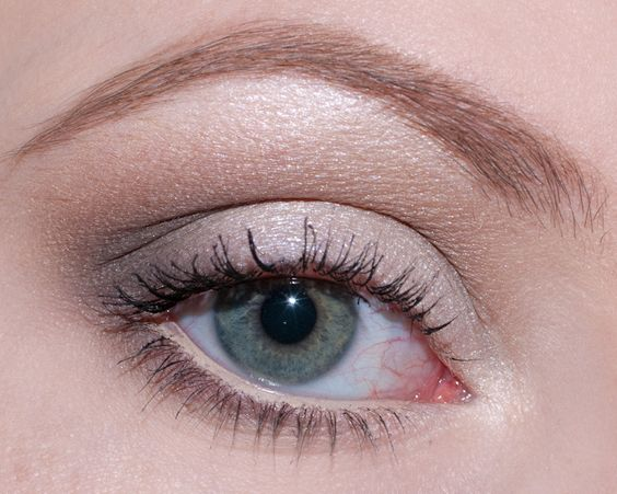 Eyes Of The Day: Naked Basics « A Fleur De Peau