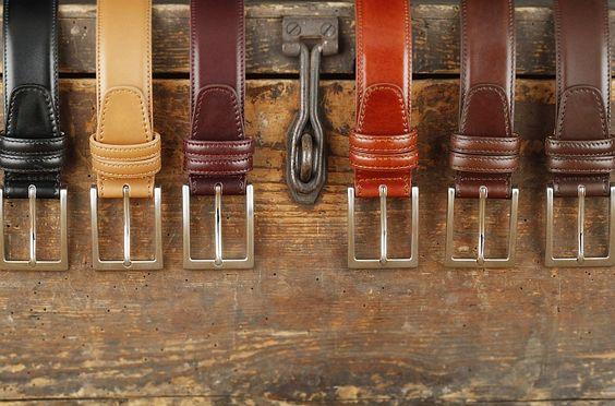 Herrengürtel, gefertigt in Italien, aus feinem französischem Kalbsleder.