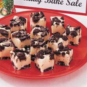 Looks good.: Candy Fudge, Fudge Recipes, Cookies And Cream, Recipes Cookies, Bake Sale Recipes, Cookies Cream, Cream Fudge, Cookies N Cream, Mom