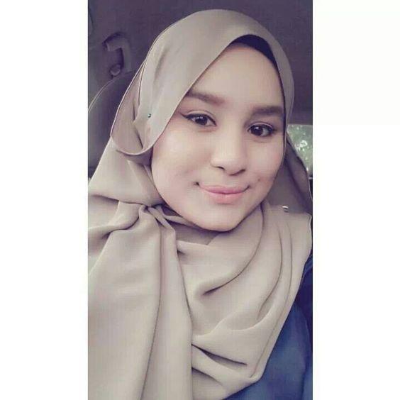 malay hijab girl photo