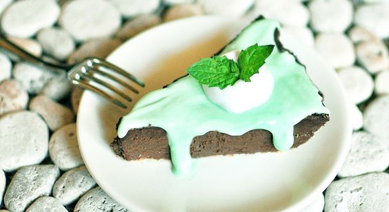 mint chocolate chip pie - a healthy dessert!