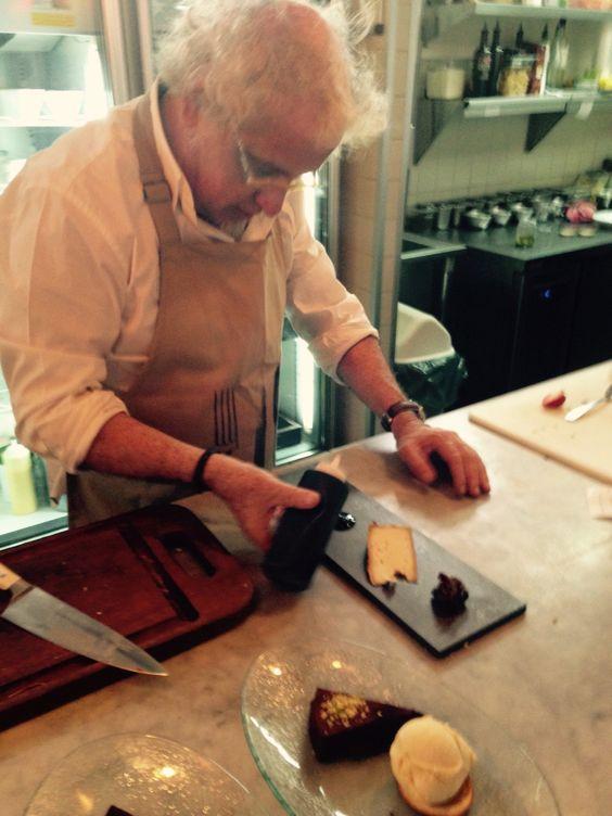 Tabla quesos Neolith Iron coopera con nuestro chef embajador Ennio Carota