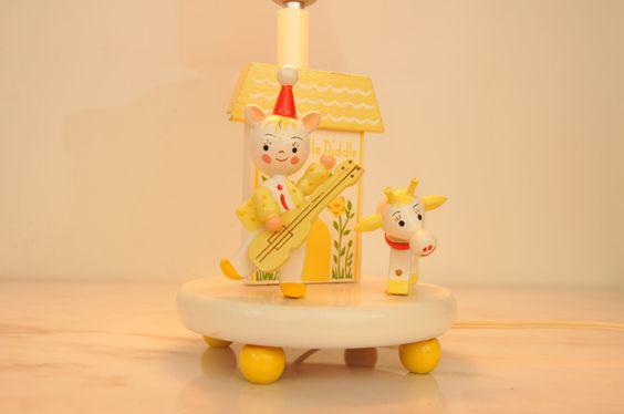 Vintage Hey Diddle Diddle Nursery Rhyme Lamp