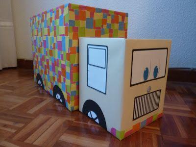 Hogar y vida cotidiana un cami n hecho con cajas para - Cajas de plastico para almacenar ...